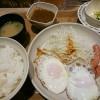W目玉焼きソーセージの朝定食@Sガスト