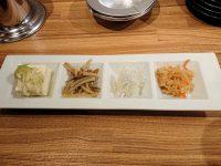 鉄板食道 飯蔵(ハンゾウ) 4種盛り