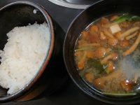 肉の山本@東京都八王子市 すき焼き定食 ご飯 味噌汁