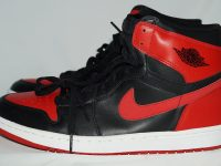 AIR JORDAN 1 RETRO BLACK / VARSITY RED 黒赤(2001) Outside(横外)