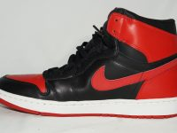AIR JORDAN 1 RETRO BLACK / VARSITY RED 黒赤(2001) Inside(横外)