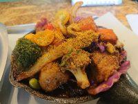 野菜を食べるカレーcamp 新橋店@東京都港区 一日分の野菜カレー+ポーク アップ