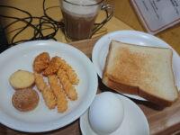 もんきーねっと 秋葉原店@東京都千代田区 おかしBAR トースト ゆで卵 ドリンク