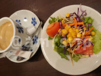 鎌倉パスタ イーアス高尾@東京都八王子市 サラダ ホットコーヒー