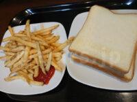 無料モーニング食べ放題@快活CLUB 食パン フライドポテト