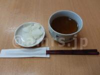 とんかつ山家(ヤマベ) 上野店@東京都台東区 お新香 お茶 ハシ