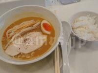 フォアグラ鶏白湯らーめん並盛・スープをかけて食べる専用白米 匠104@東京都新宿区