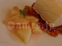 グリルドチーズサンドモーニング・ちょっと懐かしいババロア@デニーズ ちょっと懐かしいババロア~フレッシュの桃を添えて ババロア 紅茶ゼリー 桃