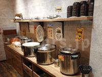 グランカスタマ 歌舞伎町店@東京都新宿区 カレー&ごはん食べ放題 イートインスペース カレーコーナー