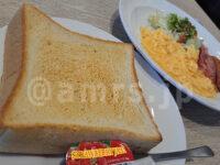 スクランブルエッグ&ベーコンソーセージセット@ガスト トースト選択